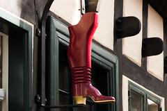 Spisehuset Støvlen (michael_hamburg69) Tags: ebeltoft dänemark danmark denmark djursland red boot stiefel rot spisehuset støvlen wooden wood redboots kinkyboots