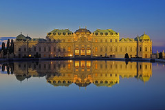 Riflessi reali / Royal reflections (Belvedere Palace, Vienna, Austria) (AndreaPucci) Tags: belvedere vienna austria upper fountain andreapucci night