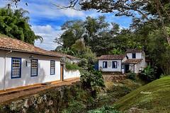 Em Cantos de Minas - Tiradentes! (jvaladaofilho) Tags: brasil mg minasgerais tiradentes cenasurbanas cityscape streetview streetphotography valadaoj