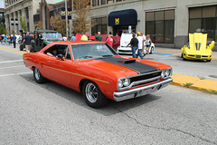 Coyote Bait (Flint Foto Factory) Tags: flint michigan urban city summer august 2018 home town hometown annual backtothebricks car festival downtown 1970 plymouth roadrunner chrysler corporation mopar muscle performance orange front threequarter view blackstripes northbank center centre saginawst saginaw street classic american bbody platform universityofmichigan uofm university