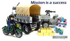 Mission is a success (WhiteFang (Eurobricks)) Tags: lego bind bags unikitty series 1 brick built animals kitty puppy box colourful vibrant sunshine cheerful fun pink