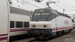 Maniobras (ArtzaiTrain) Tags: renfe 252 talgo tren trenhotel train trains galicia
