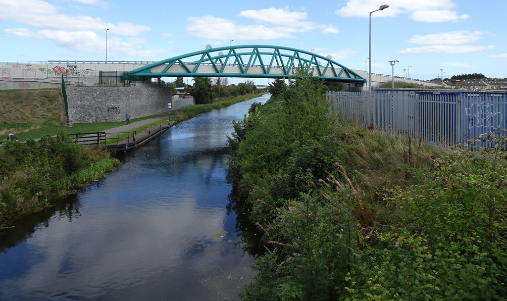 REILLY'S BRIDGE WAS REPLACED BY THE RATOATH ROAD OVERBRIDGE [IT IS A PITY THAT THEY DID NOT COME UP WITH A NAME FOR THE NEW BRIDGE]-143876