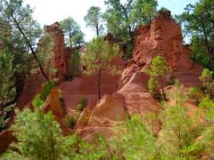 Le Sentier des Ocres (cosbrandt) Tags: provence ochre roussillon vaucluse gfx50s gf3262mm red rocks
