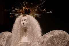 Angelic Fantasy (Anne Marie Clarke) Tags: mannequin fashion designer fantasy couture wings angel heavenlybodiesfashionandthecatholicimagination metropolitanmuseumofart avantgarde