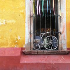 window wheels (msdonnalee) Tags: window janela finestra fenster ventana fenêtre bicycle mexico mexiko messico mexique sanmigueldeallende