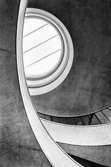 skylight (khrawlings) Tags: blavatnik schoolofgovernment oxford staircase curve circle monochrome bw blackandwhite architecture building concrete skylight balcony