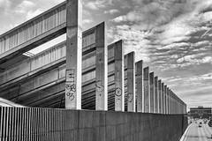 Urbanisme dans le Neuf Trois (johann walter bantz) Tags: autoroute banlieueparisienne artistic xpro2 fujifilm monochrome montreuil 93 architectural urbanisme urban