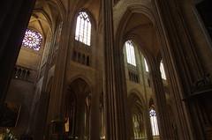 JLF19705 (jlfaurie) Tags: organ organo vitrales hautevienne limousin pentaxk5ii cathédrale vitraux saintetienne limoges mpmdf virgennegra blackvirgin taintedglass jlfr viergenoire mechas