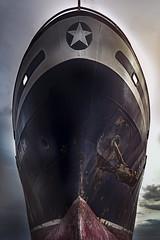 Il Gigante (marcello.machelli) Tags: rosso sanbenedettodeltronto porto nave ship harbour nikon nikond810 tokina haida giant gigantic enorme gigante giantesca fonda riparazione sea mare cantiere prua