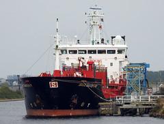 DSCN2418 (Darren B. Hillman) Tags: stoltsandpiper stolttankships runcorn manchestershipcanal nikon tanker p900 merseyferries royaliris