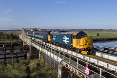 37424 crosses Reedham swing bridge working 2J67 0747 Lowestoft - Norwich 31/8/2018 (Paul-Green) Tags: class 37 374 37424 37558 reedham swing bridge norfolk uk gb railways camranger pole picture phtography drs direct rail services 2j67 lowestoft norwich passenger stopping service river yare aga abellio greater anglia august 2018 flickr canon camera