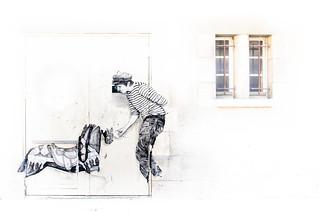 street art (Levalet)higk key et minimalisme