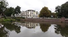 Oostdam, Woerden (bcbvisser13) Tags: singel ouderijn reflectie gebouwen huizen muur beeld oostdam city woerden holland eu rivier nederland provutrecht water reflection river panden
