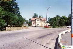 tm_5285 (Tidaholms Museum) Tags: färgat positiv landsväg fordon personbil