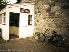 Glenlivet Post Office (broadswordcallingdannyboy) Tags: highlands scotland cairngorms f4l leonreillyphotography copyright donotcopy mood 2018 zoomlens scottishscene scottishhighlands leonreilly bike building sign people postoffice glenlivet eos1ds traditional oldschool canon canoneos1ds 170400mm 1740mm