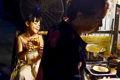 2018/8/20-ArendG7x-54 (Arend Kuester) Tags: china travel sechuan chengdu streetphotography people street photography pancake children delicious