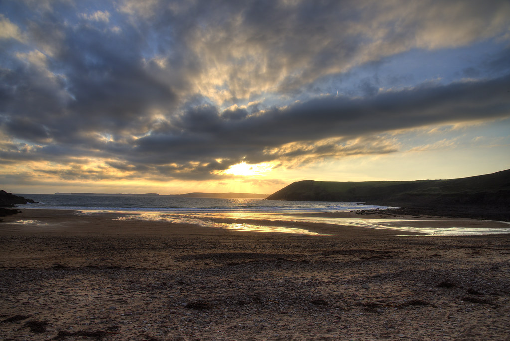 Manorbier/ Maenorbŷr  beach at sunset