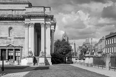 Cambridge   -4.jpg (Colin Dorey) Tags: fitzwilliammuseum museum gallery artgallery trumpingtonstreet bw monochrome blackandwhite blackwhite cambridge university colleges architecture cambridgeshire structure building tree sky