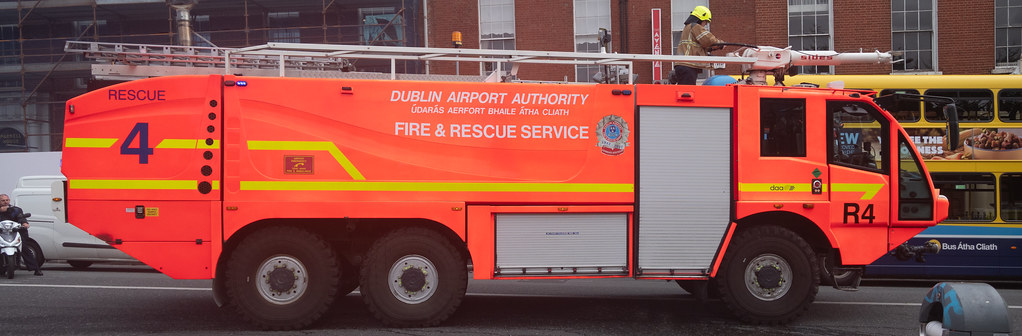 RESCUE 4 FIRE ENGINE USED IN DUBLIN AIRPORT [MANUFACTURED BY SIDES]--143780