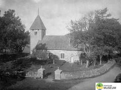 tm_5439 - Härja kyrka, Västergötland (Tidaholms Museum) Tags: svartvit positiv kyrka byggnad exteriör