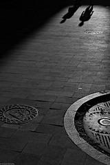 Chorzów 2018 (Tomek Szczyrba) Tags: ulica street photo streetphoto miasto city town monochrome bw noir cienie cień shadow shadows postać postacie character ludzie people człowiek odbicie couple para silhouette sylwetka