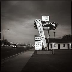 Motel Americana (e l e c t r o l i t e) Tags: hasselblad route66 60mm ilford400 electrolite shannonrichardson tucumcari newmexico