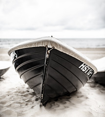 Boat at the beach (MAICN) Tags: 2018 schiff seascape sand ostsee water kühlungsborn balticsea himmel beach sky boat ship boot wasser strand