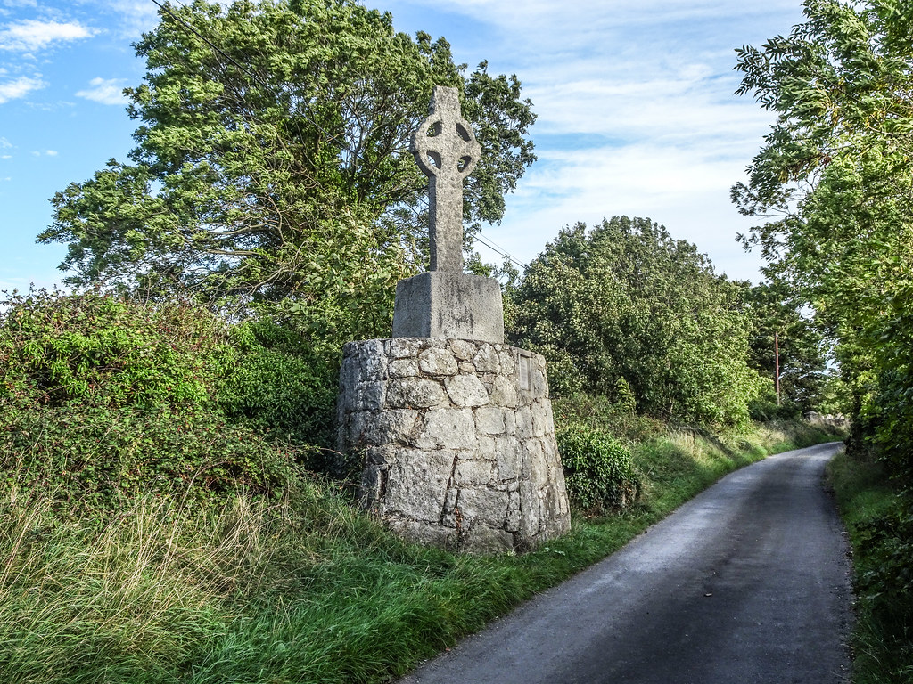 THIS IS THE NEWER HIGH CROSS NEAR TULLY CHURCH [IT IS AT THE SIDE OF A NARROW ROAD OR LANEWAY]-144122