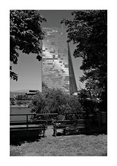 2018-06-26   rest (clemisan) Tags: fortheloveofblackandwhite bw blackwhite urban frankfurt ezb architecture peopleinthecity