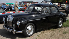 Magnette (Schwanzus_Longus) Tags: technorama hildesheim german germany uk gb great britain british englend english old classic vintage car saloon sedan mg magnette