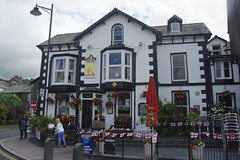Queens Hotel, Windermere, Cumbria (Adam Bruderer) Tags: pub publichouse camra realale beer cumbria windermere