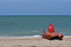 La solitudine del bagnino (luporosso) Tags: natura nature naturaleza naturalmente nikon nikond500 nikonitalia rosso red salvataggio bagnino mare sea adriatico civitanovamarche marche italia italy spiaggia beach playa