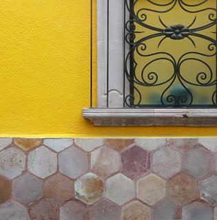 corner window