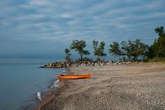 Canoe (dunescape) Tags: toronto lakeontario beach canoe