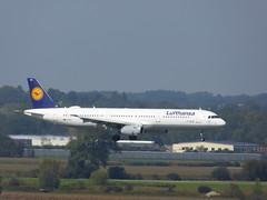 """Airbus 321-200 """"Gütersloh"""" (thomaslion1208) Tags: flugzeug airbus flughafenmünchen a321 lufthansa jet"""