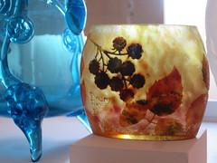 Vase Daum - Musée d'Art et d'Histoire, Cognac (16) (Yvette G.) Tags: daum cognac charente 16 poitoucharentes nouvelleaquitaine musée muséedartetdhistoire vase verre artnouveau