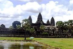 Angkor Wat (Яeиée) Tags: angkorvat angkorthom sanctuaire cambodge asie temples preahkhan taprohm siemreap baphuon bayon angkor khmer architecture patrimoines angkorlamerveilleuse banteaysrei bouddhisme hindouisme fromager takeo phimeanakas banian