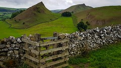 The shire (Phil-Gregory) Tags: parkhouse chrome peakdistrict staffordshire green gate hills samsung galaxys8 smartphone scenicsnotjustlandscapes landscapes countrylife countryside