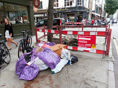 Tottenham Street Tree of Filth. 20180906T12-53-30Z (fitzrovialitter) Tags: peterfoster fitzrovialitter city camden westminster streets urban street environment london fitzrovia streetphotography documentary authenticstreet reportage photojournalism editorial captureone olympusem1markii mzuiko 1240mmpro microfourthirds mft m43 μ43 μft geotagged oitrack exiftool rubbish litter dumping flytipping trash garbage