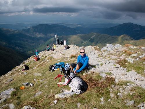 Na fałszywym wierzchołku Jarząbczego Wierchu (Hrubý vrch, 2137 m)