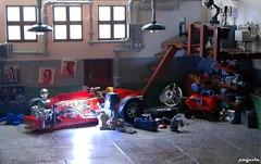 Vintage Garage (_Pixeljunkie_) Tags: lego moc garage diorama benz