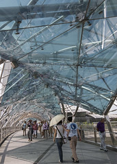 Helix Stroll (fantommst) Tags: lisaridings fantommst marina centre singapore city bay sands singapur architecture helix bridge pedestrian sails south walkway canopies frittedglass perforated steel mesh dnalike design marinabaysands