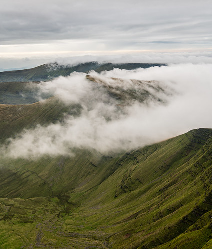 Creeping Clouds over Cribyn