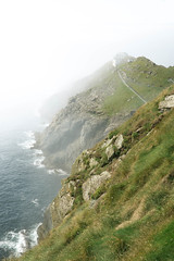 Mizen Head (Arnaud Regnier) Tags: mizen head irland pointe fog irlande nature mer ocean phare lighthouse landscape paysage sony a6300 18105 seascape cliffs falaises cliff falaise brouillard roadtrip travel
