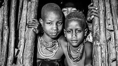 Trío de Damas (pepoexpress - A few million thanks!) Tags: nikon nikkor d750 nikond75024120f4 nikond750 24120mmafs pepoexpressflickr ethiopia africa travel bw portraits