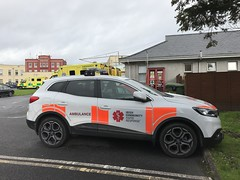 Doctor Rapid Response Car - Ambulance Station - Mid-Western Regional Hospital / UL Hospitals Ennis Hospital - September 2018 (firehouse.ie) Tags: automobile l'auto coche car fastresponsecar rescue krankenwagen ambulances ambulance ireland ennis ems medical doctor'scar doctor frc rrv renault