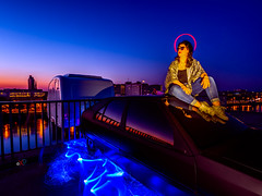 Rooftop angel (Photosplus _ XP) Tags: rooftop angel sunset lightpainting lp portrait photos plus nantes france pays de la loire 44 école nationale darchitecture maxime building lflp lpwa olympus sirui edificio immeuble architecture city ville ciudad night photography photographie light lumière luz nuit noche blue blau bleu azul jaune yellow orange oranga red rojo rouge color colors couleur couleurs chaud froid hot cold caliente frio infinitexposure longexposure long exposure max pateau photosplus xp