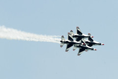 Overlapping Thunderbirds (Josh Thompson) Tags: d7000 70300mmf4556gvr chicagoairandwatershow airforcethunderbirds lightroom5 f16