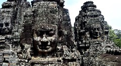 Angkor Thom: Temple du Bayon (Яeиée) Tags: angkorvat angkorthom sanctuaire cambodge asie temples preahkhan taprohm siemreap baphuon bayon angkor khmer architecture patrimoines angkorlamerveilleuse banteaysrei bouddhisme hindouisme fromager takeo phimeanakas banian